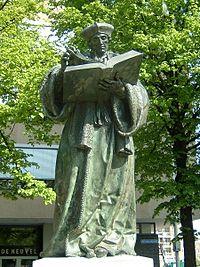 200px-Rotterdam_standbeeld_Erasmus[1]